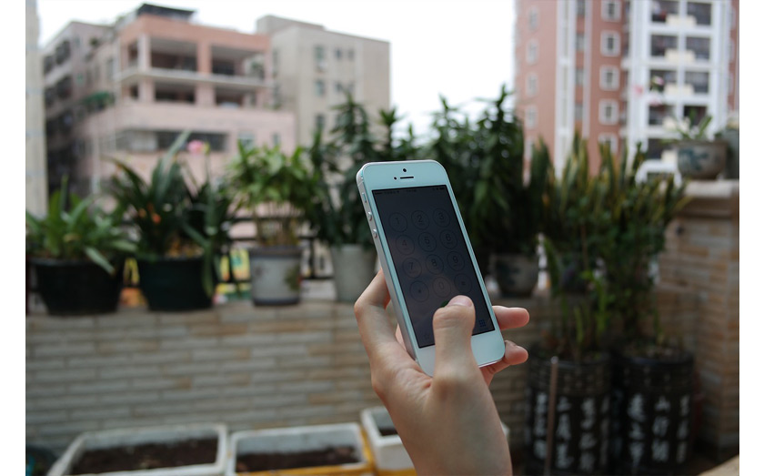 Mobile phone users not aware of (or don't care about) data limits