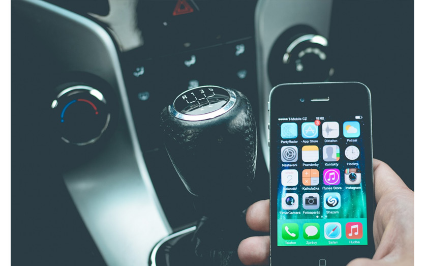 Drivers can lose their licences if found using mobiles while driving