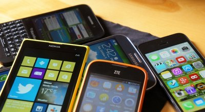 3G and 4G capable smartphones